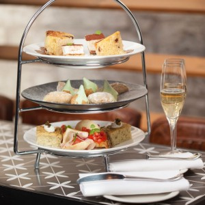 Afternoon-Tea-for-Two-Prosecco